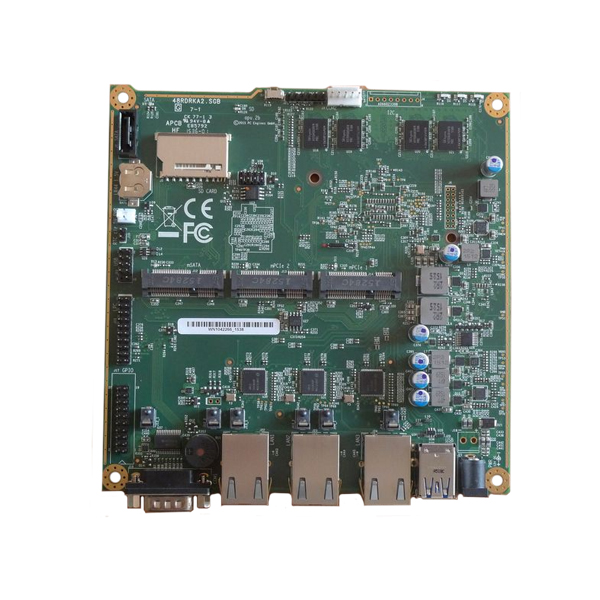 PC Engines APU2C4 - Systemboard, 3x LAN, 4 GB DRAM